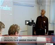 Iñigo Mujika, impartiendo la conferencia 'Entrenamiento intensivo: la clave para el rendimiento óptimo durante el afinamiento' en Copenague (Dinamarca)