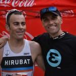 El triatleta Hektor Llanos y su entrenador, Iñigo Mujika