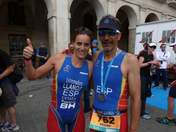 Ruth Brito y Pedro Oviedo, campeones del Mundo de Triatlón (Foto: Iñigo Mujika)