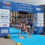 Paratriathlete Mikel Garmendia, crossing the finish line (Photo: Inigo Mujika)